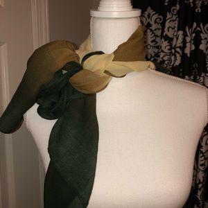 Versatile pretty scarf